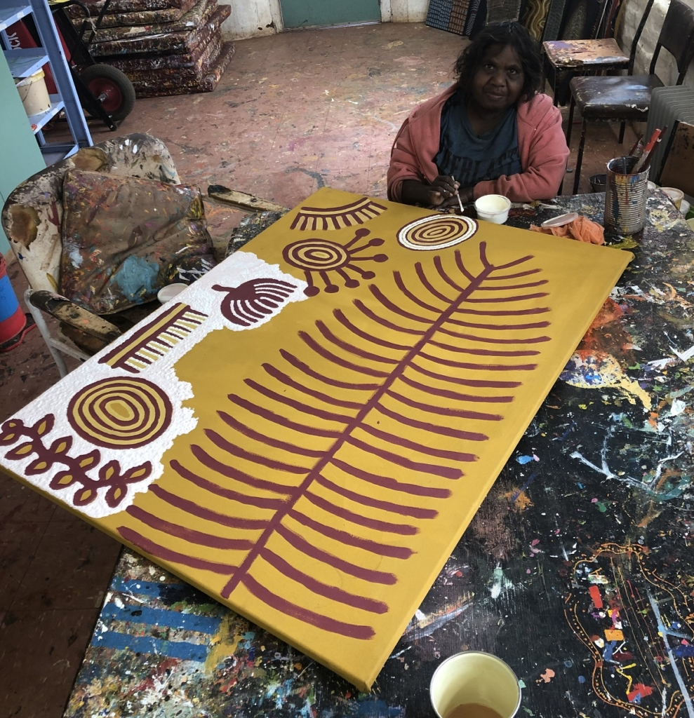 Rita Watson Painting in the Ninuku Arts studios