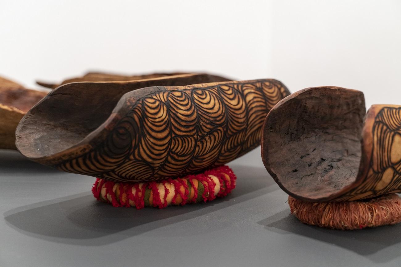 Debbie Nelson, Piti – Collecting Bowl, 2019, Kataya – limestone wattle 51 x 19 x 16 cm