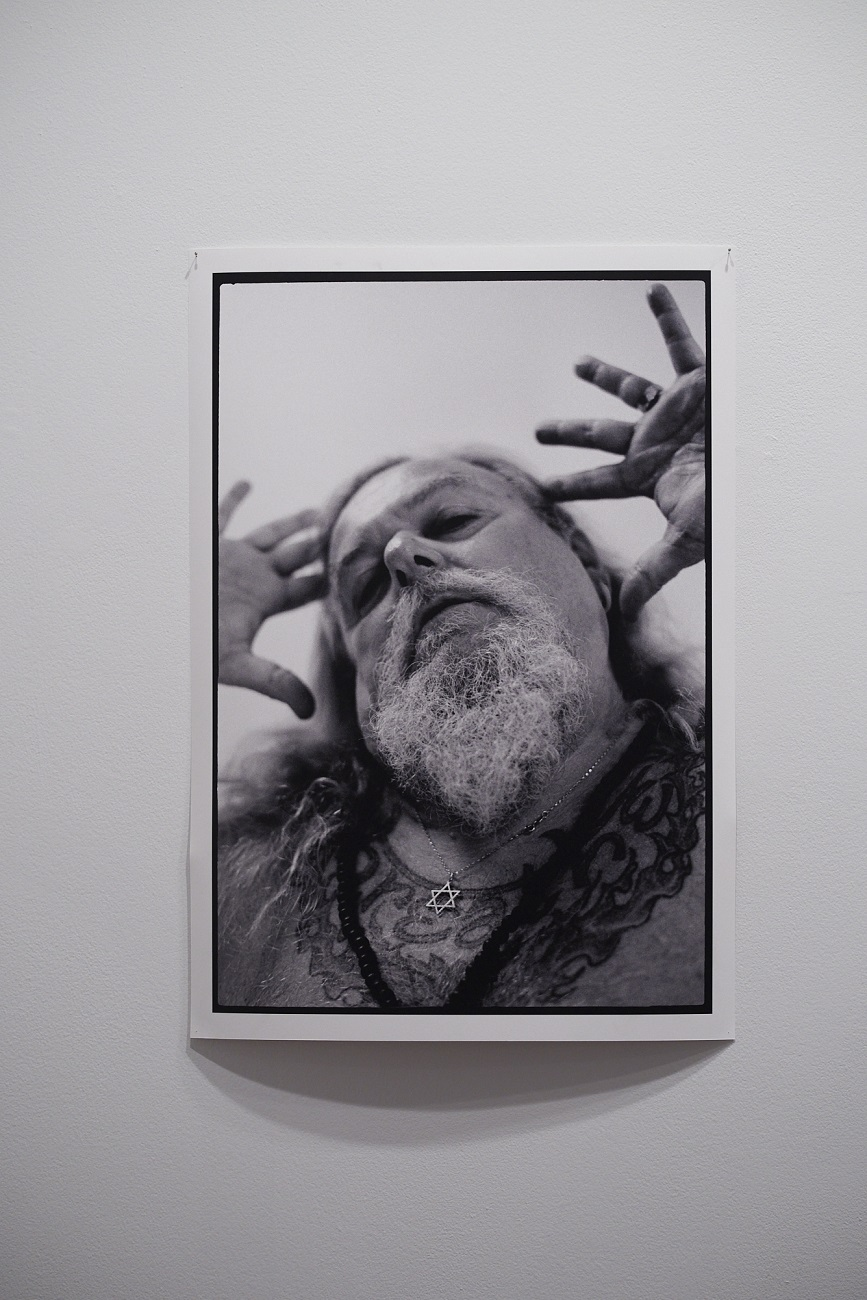 Zev Weinstein, Breathe, 2018, 35mm photograph on Hahemuhle satin rag, 96 x 67cm, ed. 1 of 10. Photography by Rebecca Mansell